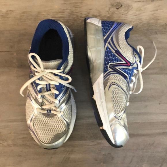New Balance Shoes   325 New Balance N2 Running Shoes 9 2e   Poshmark